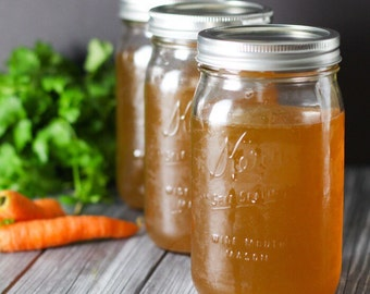 Beef Bone Broth // Grass Fed Marrow Bones // Organic Garlic Carrots Celery // Medicinal // High in Minerals and Collagen // Antimicrobial