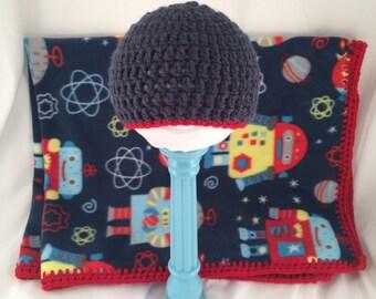 Space Robot Fleece Blanket And Newborn Hat Set