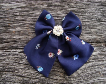 Bow tie navy blue with little flowers