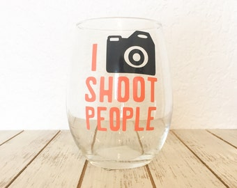 Photographers Wine Glass, I Shoot People Camera Stemless Wine Glass, Photographer Thank You Gift, Camera Man Wine Glass, Funny Photographer