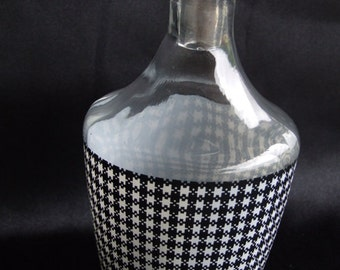 French Vintage Glass Hounds-tooth decanter