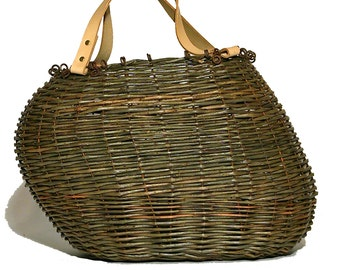 Asymmetrical green wicker and leather bag