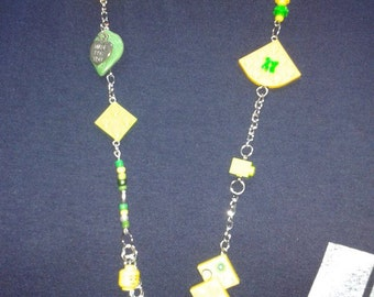 Necklace in yellow and green tones