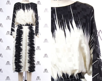 1980s Black and White Abstract Print Long Sleeve Midi Dress