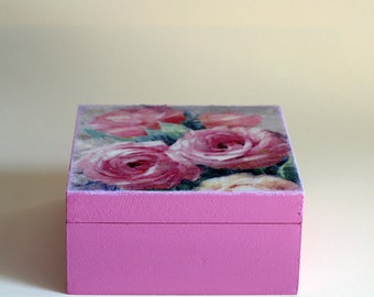 Wood box with roses