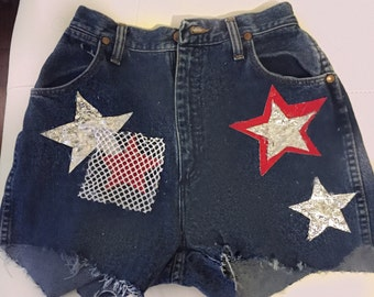 High-waisted vintage unique star shorts