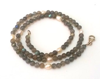 Labradorite - / freshwater pearl necklace bluegray