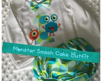 Smash Cake Outfit Onies, Bloomers and Bow tie