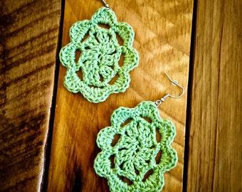 Oval pale green crochet earrings