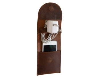 Gusti leather 'Marian' charging holder for Smartphone mobile phone