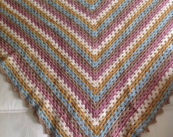 Shawl crocheted by Ships stonewashed 145 cm wide. Pink and blue