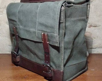 Bag vintage Swiss Army leather and canvas of 1944