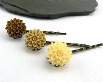 Vanilla - caramel - chocolate! Filigree, romantic hair clips-trio with delicate flowers cabochons. Flower hair accessories gift girl