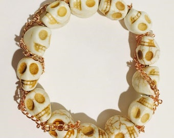 Bracelet - White Skulls, Gold Chain