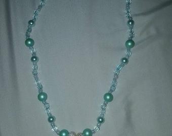 Seashell collection aqua short necklace