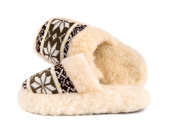 Sheepskin luxurious slide slippers in brown -  healthly and natrural ! Scandinavian design - the highest quality