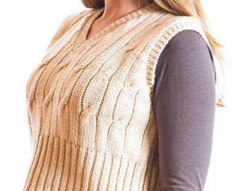 Knitted Vee Short Sweater