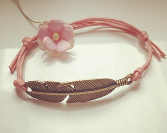 Bracelet with small spring in pink, waxed cotton, vintage, statement, blogger, feather, fly, freedom
