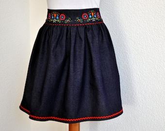 Skirt embroidered folk