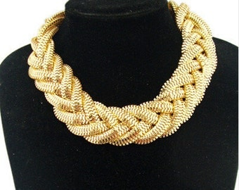 Vintage Gold Mesh High Fashion Necklace