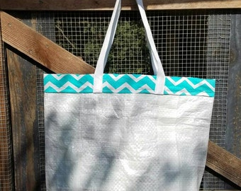 Tote with multiple pockets