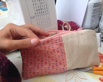 Pencil case/brush holder