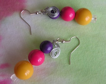 REDUCED-Pink, Yellow, Purple Globes & Silver Spirals