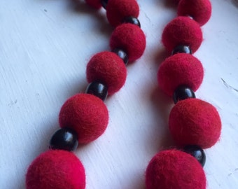 New 100% natural felt necklace / Handmade / Red beaded felt necklace / Perfect Gift /