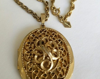 Sarah Coventry c. 1970 Large Photo Locket