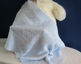 Crochet Baby Blanket with Diamonds