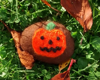 Felted Pumpkin Pebble
