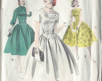 1950s Vintage Sewing Pattern DRESS B38 (1039)  Butterick 7708