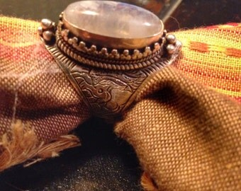 Moonstone rings moonstone Jewelry 'Rainbow Tibetan jewelry