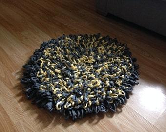 Chunky large crochet loop rug