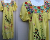 Vintage Yellow Embroidered Floral Mexican Dress / Oaxacan Midi Maxi Caftan Sundress // Sz Sml - Med