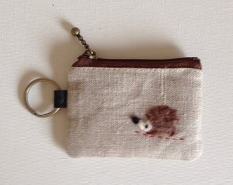 Key/coin purse -  linen with a hedgehog applique