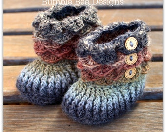 Crocodile Stitch Baby Booties That Stay On - Baby Slippers - Baby Booties - New Baby Gift - rainbow - 6-12 months - wool - baby slippers