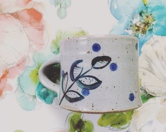 Ceramic mug tea cup coffee mug - grey blue mug with polka dots and leaves - handcrafted pottery cup - ceramics for home and kitchen