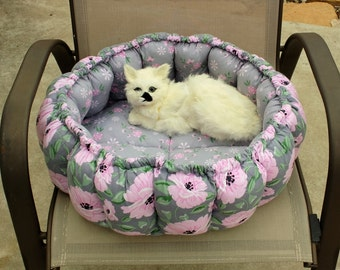 Cat Bed, Stuffed Cat Bed, Pillow Cat Bed, Fabric Cat Bed, Cat Bedding, Cat Accessories, Handmade Cat Bed, Small Dog Bed, Round Cat bed