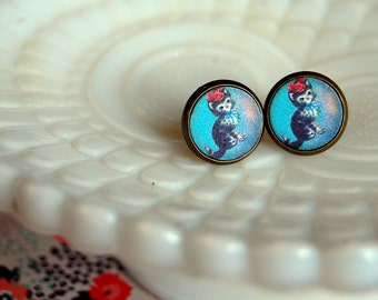 little kitty vintage illustration on wood framed post earrings