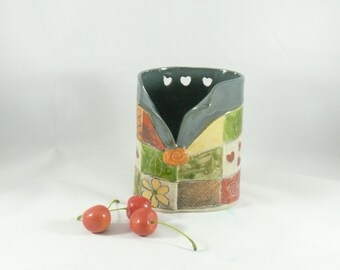 Ceramic Toothbrush Holder with Hearts, pottery and ceramics, Pencil Holder, Ceramic Vase, Artistic Vessel, Desk Accessory, Green  Vase 527