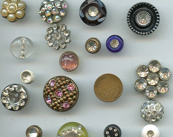 Vintage Buttons Rhinestones Lot (18) Plastic Various Sizes and Designs 2385