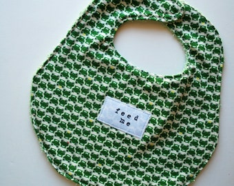 Chow Bebe Bib--green frog print with pale greenupcycled lining