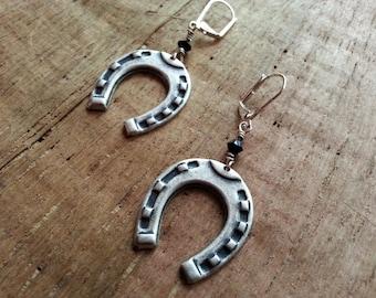Lucky HorseShoe earrings//VLV//Pin up//Western