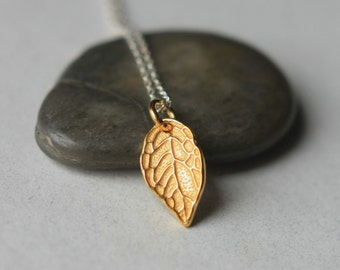 Small Gold Leaf Necklace, Nature Jewelry, Gold Leaf Jewelry, Mixed Metal Jewelry, Jewelry Gift Women, Fall Autumn Jewellery Jewelry