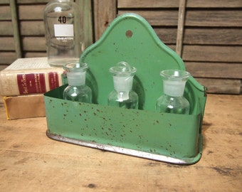 Free Shipping Vintage Metal Spice Rack shelf Match Holder Wall Pocket nice green color Primitive Cottage