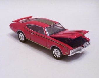 1969 Oldsmobile 442 H/O 455 - Vintage Die Cast Car, 1/64th scale by Mattel