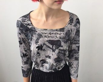 Vintage Knit Top 3/4 sleeves with cool Japanese Print Size Large