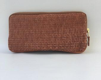 XL wallet clutch in bark textured cow hide - hazelnut brown
