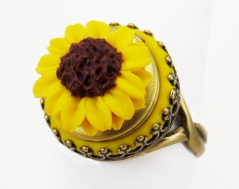 Sunflower Locket Ring - Vintage Style Sunflower Ring, Sunflower Jewely, Secret Compartment Ring